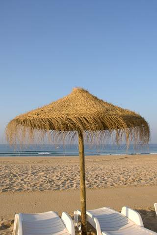 ALGARVE SANDY BEACH.With east-west-algarve .com