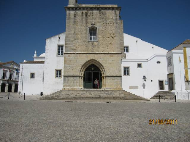 Faro Old Town,front steps of Cathedral
