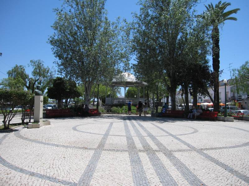 Tavira the riverside.With east-west-algarve.com