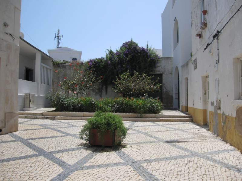 east-west-algarve,tavira gardens